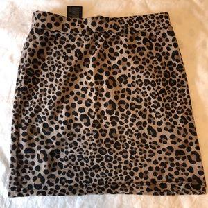 H&M cheetah print skirt size 4